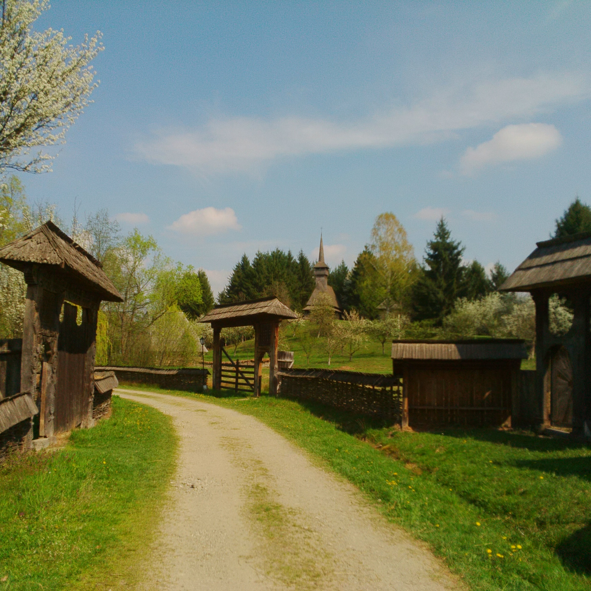 I wouldn 39 t have been surprised if people wearing national costumes would have came out to greet me - Houses maramures wood ...